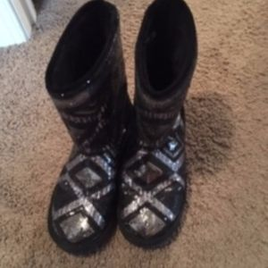 Justice Glitter Fur lined boots.  Size 8